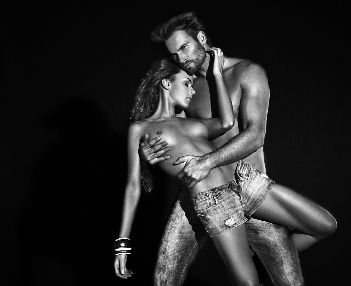 Женщина и мужчина голая